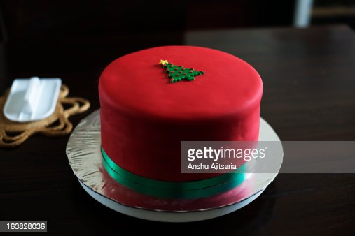 Fondant covered Christmas cake