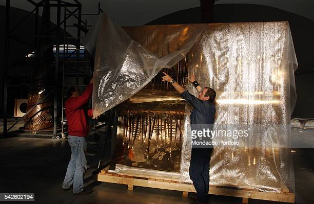 Fondazione Pomodoro in Rozzano A work by Italian sculptor Arnaldo Pomodoro being prepared for shipping to Paris for the Exhibition in the PalaisRoyal...