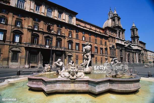 Fontana del Moro by Giacomo della Porta