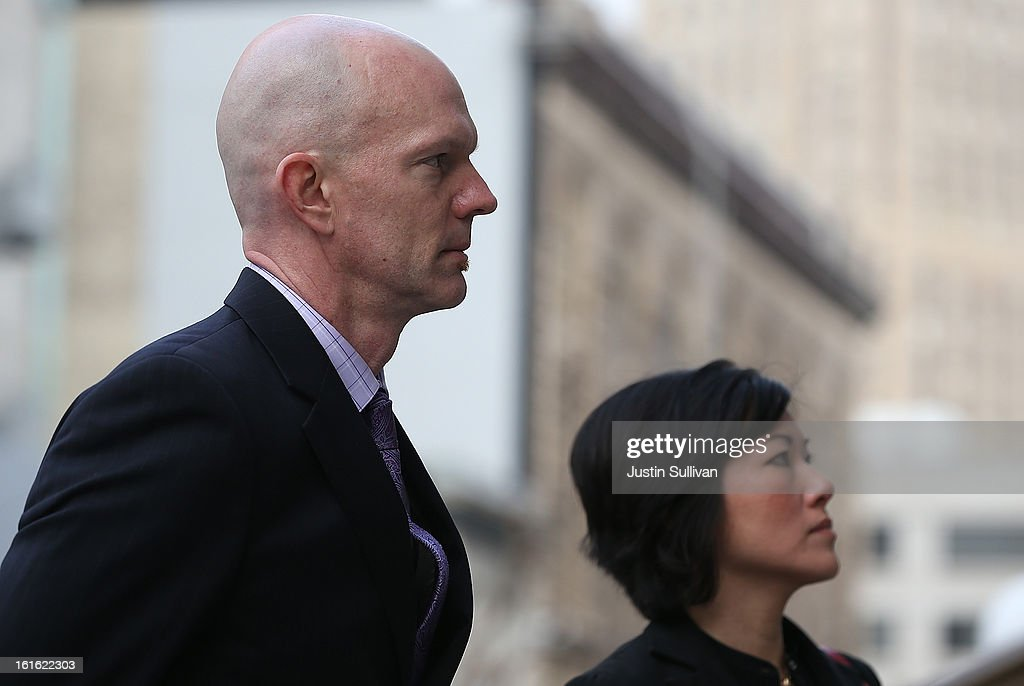 Food and Drug Adminstration agent Jeff Novitzsky (L) arrives at the U.S. Ninth Circuit Court of Appeals on February 13, 2013 in San Francisco, California. Attornies for former MLB player Barry Bonds are in court to appeal his obstruction of justice conviction after he gave evasive testimony in 2003 during a grand jury investigation of BALCO, the Bay Area labs at the center of the steroid scandal.