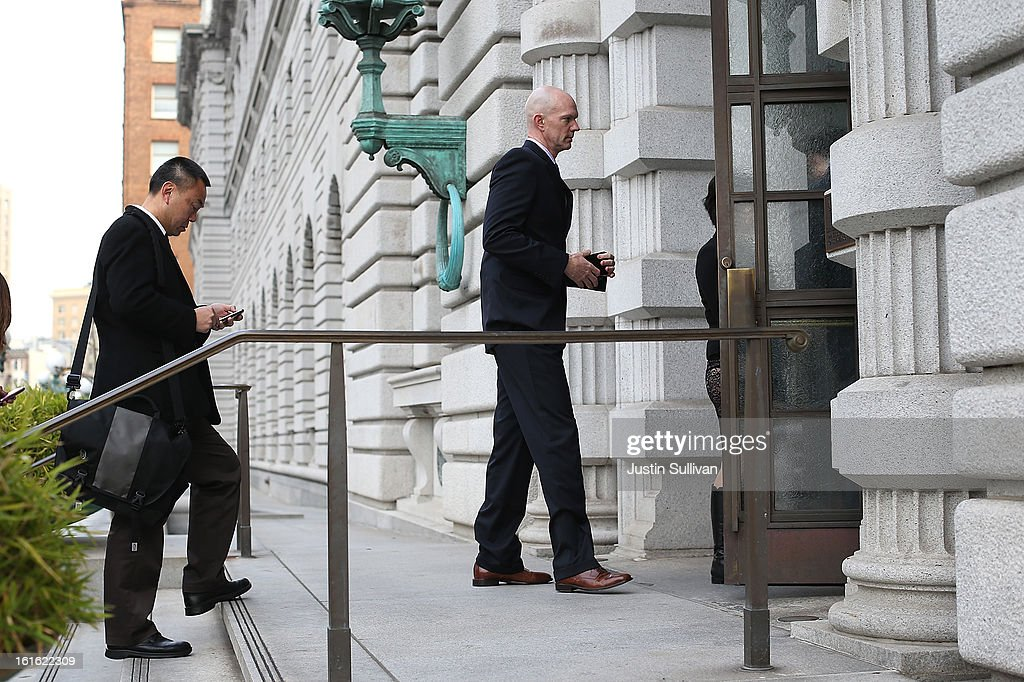 Food and Drug Adminstration agent Jeff Novitzsky (R) arrives at the U.S. Ninth Circuit Court of Appeals on February 13, 2013 in San Francisco, California. Attornies for former MLB player Barry Bonds are in court to appeal his obstruction of justice conviction after he gave evasive testimony in 2003 during a grand jury investigation of BALCO, the Bay Area labs at the center of the steroid scandal.
