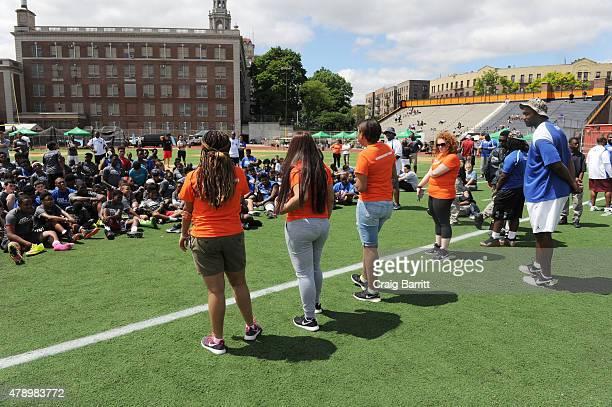 Food Bank For New York City kicks off EATWISE it's summer nutrition awareness program for teens with NFL superstar and Food Bank ambassador Chris...