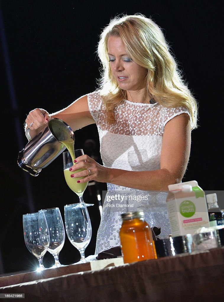 Food network chef Melissa d'Arabian demonstrates making smoothies during the Gospel Brunch at day 1 of the IEBA 2013 Conference on October 20, 2013 in Nashville, Tennessee.
