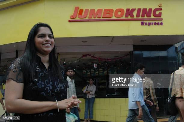 Food Vada Pav Vadapav Jumbo King Express
