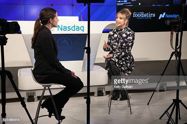 Foodstirs cofounder and actress Sarah Michelle Gellar is interviewed at the Nasdaq Entrepreneurial Center on January 11 2017 in San Francisco...