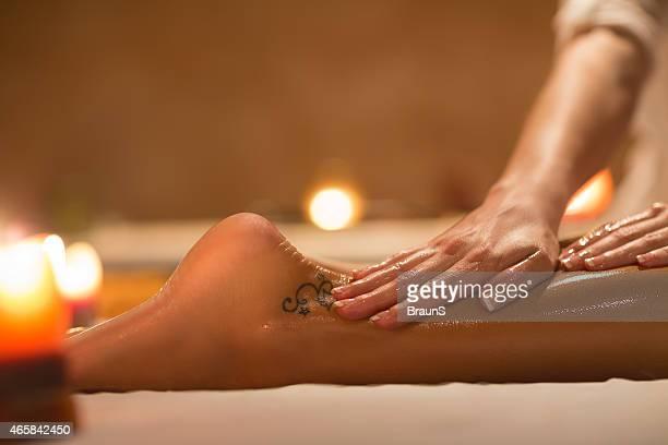 massage des pieds.
