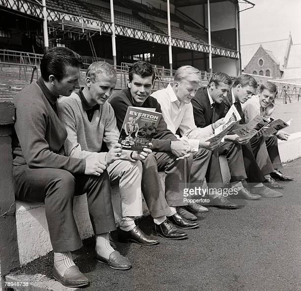 Football 18th August 1963 England Everton players read their 1962/1963 Championship brochure at Goodison Park Players include Dennis Stevens Alex...