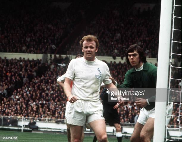 Football 1972 FA Cup Final Wembley Stadium 6th May Leeds United 1 v Arsenal 0 Leeds United's Billy Bremner with his goalkeeper David Harvey