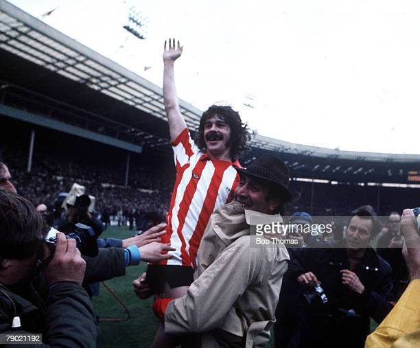 Football 1973 FA Cup Final Wembley Stadium 5th May Sunderland 1 v Leeds United 0 Sunderland's captain Bobby Kerr is held aloft by manager Bob Stokoe...