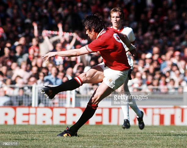 Football 1977 FA Cup Final Wembley Manchester United 2 v Liverpool 1 21st May Manchester United's Stuart Pearson shoots to score his sides first goal