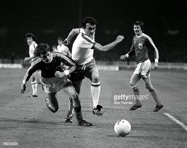 Football 1978 World Cup Qualifier Wembley England 30th March 1977 England 5 v Luxembourg 0 England's Ray Kennedy makes a strong run into the...