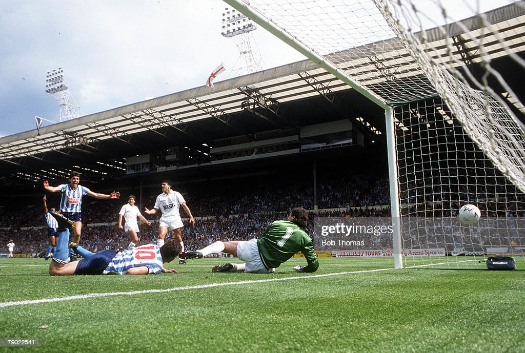 Football 1987 FA Cup Final Wembley 16th May Coventry City 3 v Tottenham Hotspur 2 Coventry's Keith Houchen races away to celebrate after he scored...