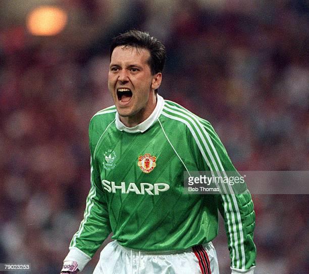 Football 1990 FA Cup Final Replay Wembley 17th May Manchester United 1 v Crystal Palace 0 Manchester United goalkeeper Les Sealey