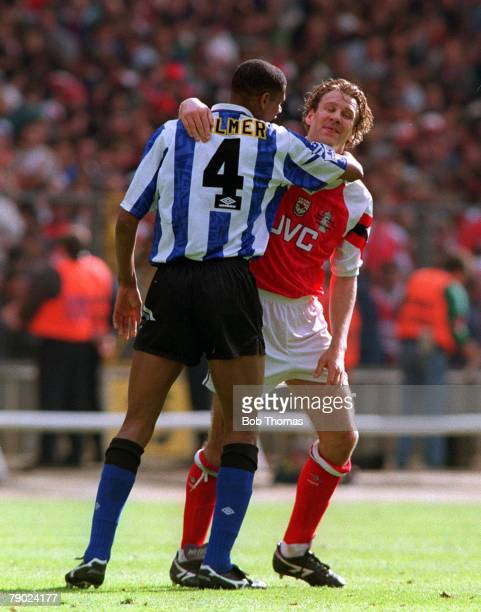 Football 1993 FA Cup Final Wembley 15th May Arsenal 1 v Sheffield Wednesday 1 Sheffield Wednesday's Carlton Palmer hugs Arsenals Paul Merson at the...
