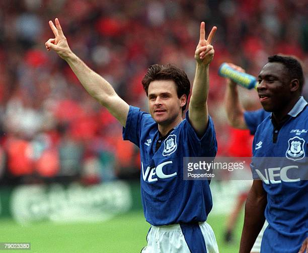 Football 1995 FA Cup Final Wembley 20th May Everton 1 v Manchester United 0 Everton's Anders Limpar celebrates after his team's win