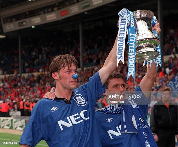 Football 1995 FA Cup Final Wembley 20th May Everton 1 v Manchester United 0 Everton's Duncan Ferguson wearing a novelty blue nose and goalscorer Paul...