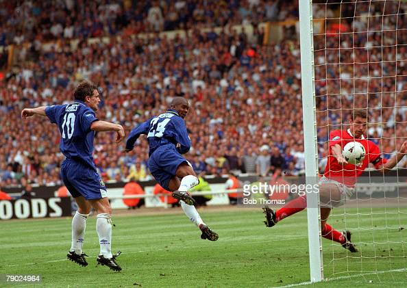 Football 1997 FA Cup Final Wembley 17th May