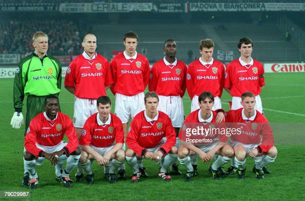 Football 1999 UEFA Champions League SemiFinal Second leg 21st April Turin Juventus 2 v Manchester United 3 The Manchester United team group before...