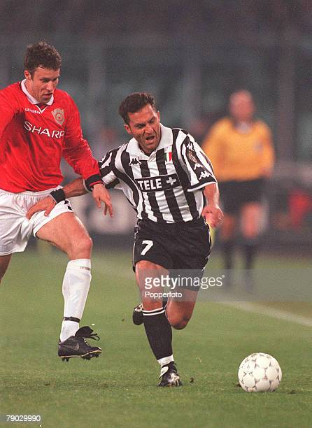 Football 1999 UEFA Champions League SemiFinal Second leg 21st April Turin Juventus 2 v Manchester United 3 Manchester United's Ronny Johnsen moves in...