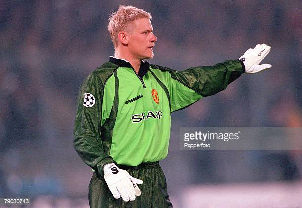 Football 1999 UEFA Champions League SemiFinal Second leg 21st April Turin Juventus 2 v Manchester United 3 Manchester United's goalkeeper Peter...