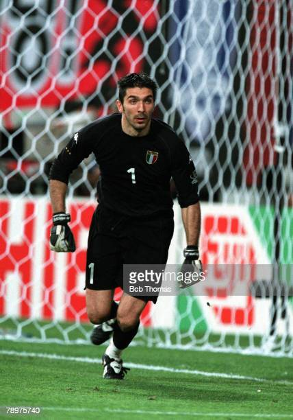 Football 2002 FIFA World Cup Finals Second Phase Daejeon South Korea 18th June 2002 South Korea 2 v Italy 1 Italy goalkeeper Gianluigi BuffonCredit...