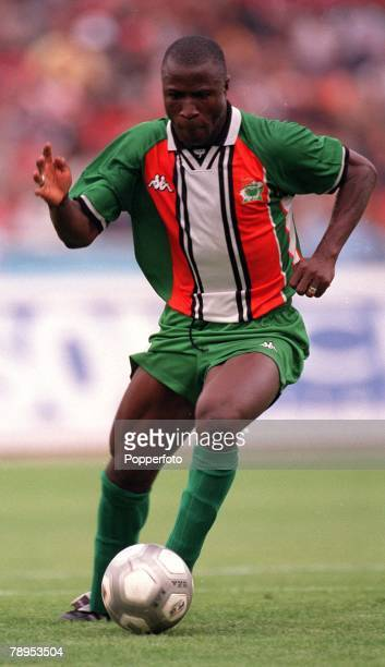 Football 2002 World Cup Qualifier African Second Round Group D 20th May 2001 Tunis Tunisia 1 v Cote d'Ivoire 1 Ibrahima Bakayoko of the Cote d'Ivoire
