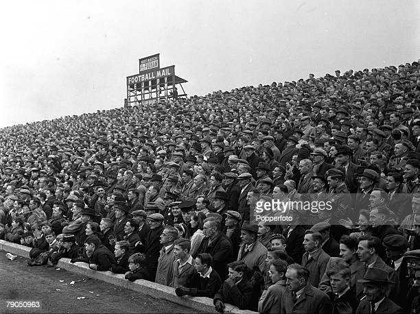 Football 31st October 1948 Fratton Park Portsmouth England Crowds pack onto the terraces to watch Portsmouth FC