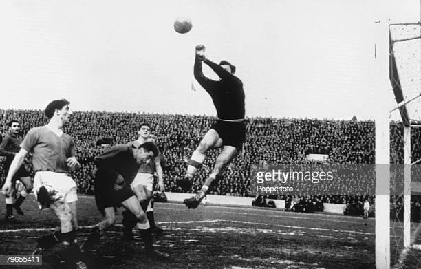 Football 5th February 1958 Belgrade Yugoslavia European Cup QuarterFinal Second Leg Red Star Belgrade 3 v Manchester United 3 Red Star goalkeeper...