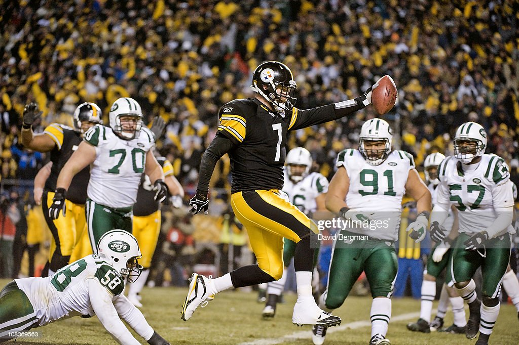 AFC Championship Pittsburgh Steelers QB Ben Roethlisberger in action scoring touchdown vs New York Jets Bryan Thomas during 2nd quarter at Heinz...