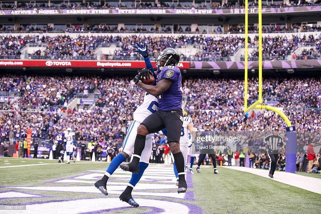 Baltimore Ravens Anquan Boldin (81) in action, making touchdown catch vs Indianapolis Colts Darius Butler (20) at M&T Bank Stadium. David Bergman F103 )