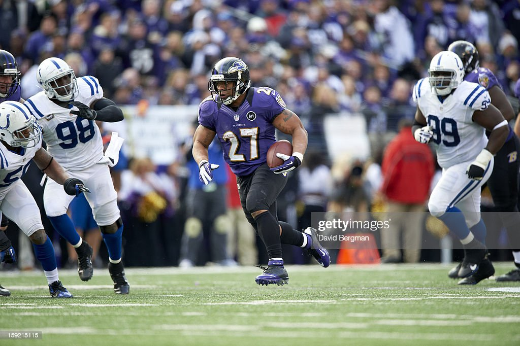 Baltimore Ravens Ray Rice (27) in action, rushing vs Indianapolis Colts at M&T Bank Stadium. David Bergman F595 )