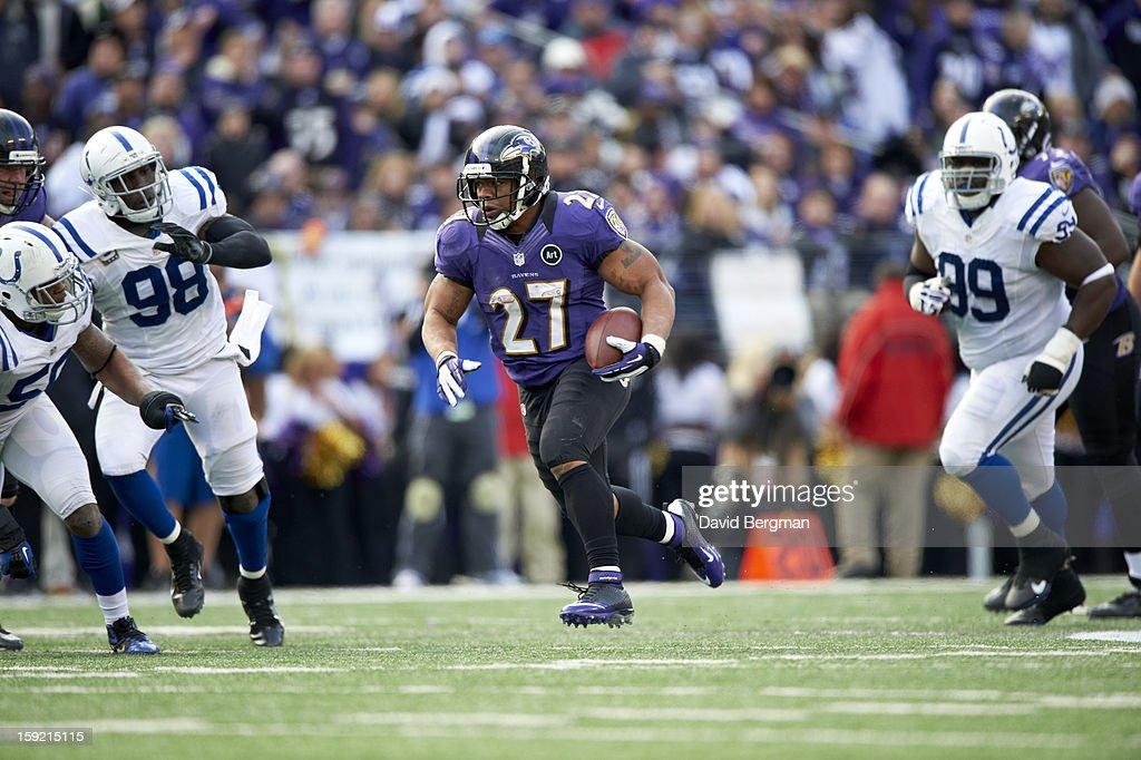 Baltimore Ravens Ray Rice (27) in action, rushing vs Indianapolis Colts at M&T Bank Stadium. David Bergman F595 )