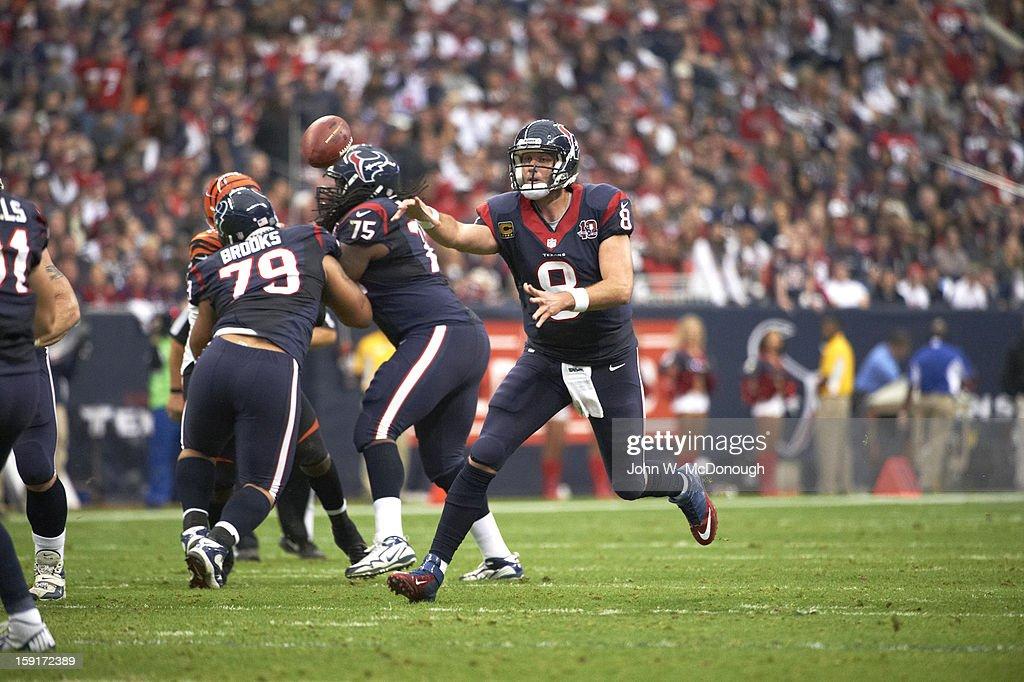 Houston Texans QB Matt Schaub (8) in action, making pass vs Cincinnati Bengals at Reliant Stadium. John W. McDonough F239 )