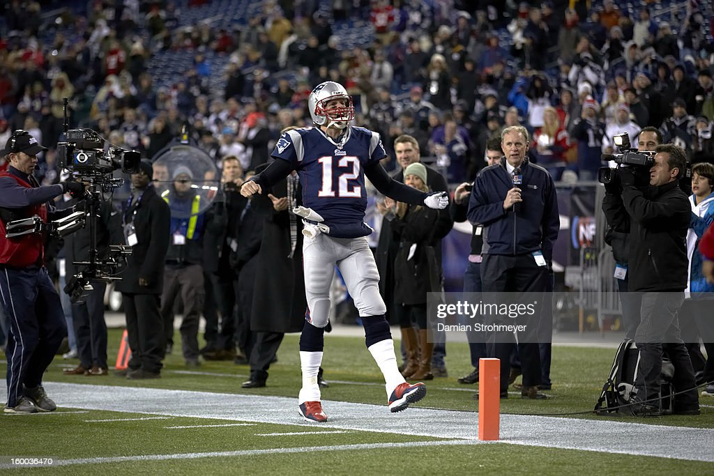 New England Patriots QB Tom Brady (12) during game vs Baltimore Ravens at Gillette Stadium. Damian Strohmeyer F6 )