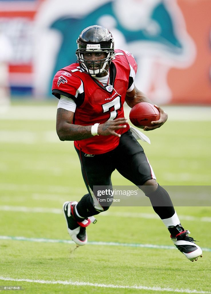 football-atlanta-falcons-qb-michael-vick