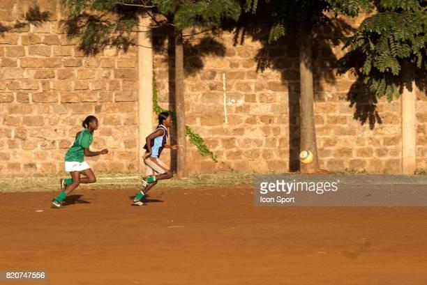Football au Kenya Mathare Bidonville de Nairobi Kenya
