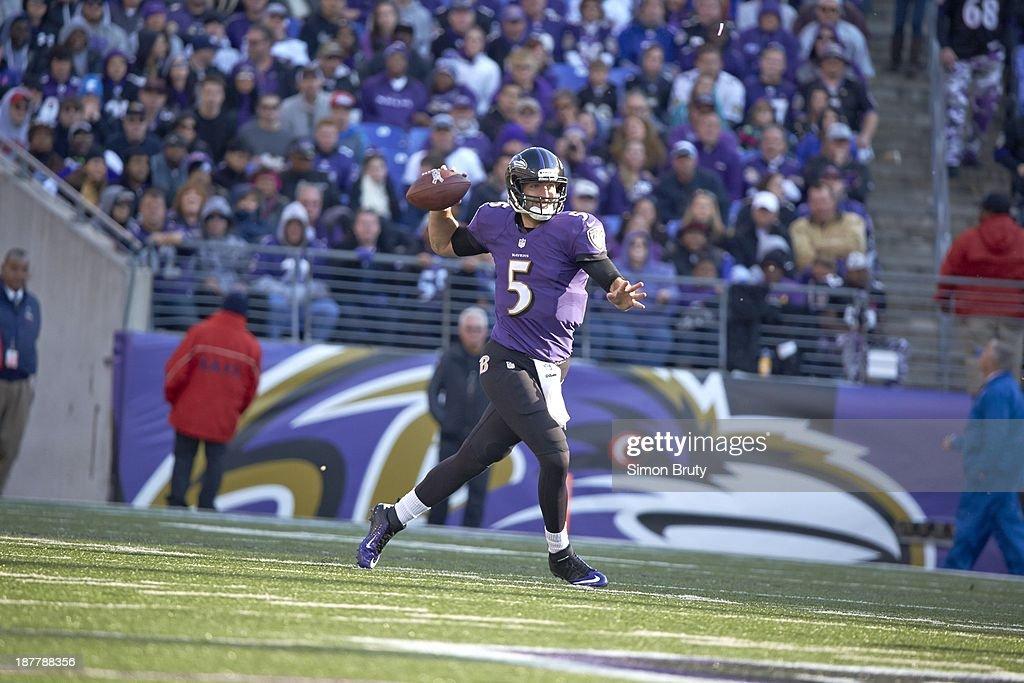 Baltimore Ravens QB Joe Flacco (5) in action, making pass vs Cincinnati Bengals at M&T Bank Stadium. Simon Bruty F26 )