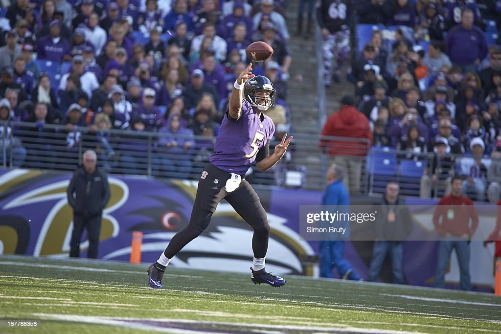 Baltimore Ravens QB Joe Flacco (5) in action, making pass vs Cincinnati Bengals at M&T Bank Stadium. Simon Bruty F28 )