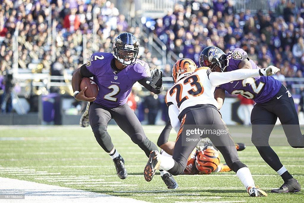 Baltimore Ravens QB Tyrod Taylor (2) in action, rushing vs Cincinnati Bengals at M&T Bank Stadium. Simon Bruty F416 )