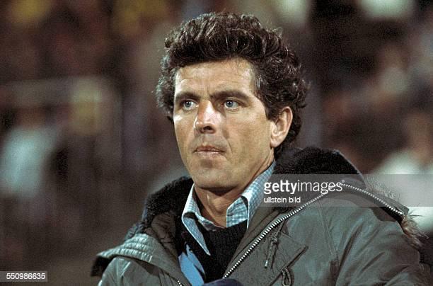 football Bundesliga 1977/1978 Wedau Stadium MSV Duisburg versus 1 FC Kaiserslautern 32 coach Erich Ribbeck
