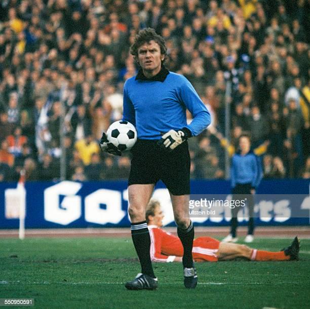 football Bundesliga 1977/1978 Wedau Stadium MSV Duisburg versus FC Bayern Munich 63 scene of the match keeper Sepp Maier