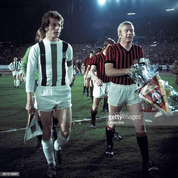 football Cup Winners Cup 1973/1974 semifinal second leg Rhine Stadium Duesseldorf Borussia Moenchengladbach versus AC Milan 10 runningin of the teams...