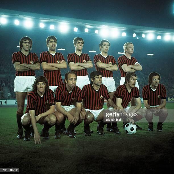 football Cup Winners Cup 1973/1974 semifinal second leg Rhine Stadium Duesseldorf Borussia Moenchengladbach versus AC Milan 10 team shot Milan with...