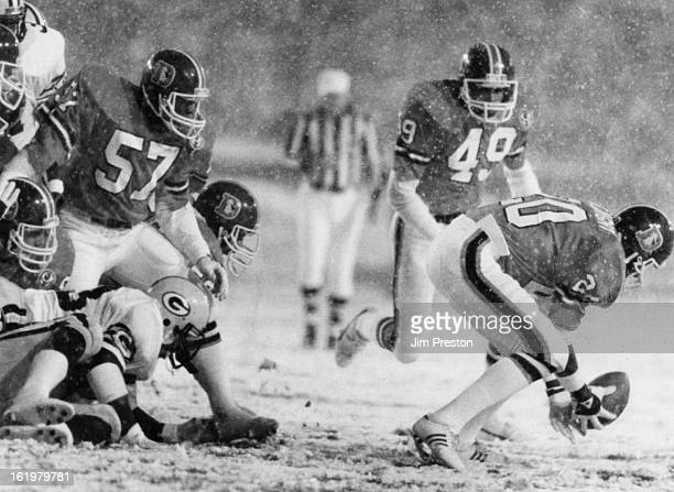 OCT 15 1984 OCT 16 1984 SEP 16 1990 Football Denver Broncos Louie Wright scoops up a fumble and rambles into the end zone for Denver's second score...