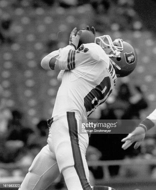 NOV 1 1984 DEC 3 1984 Football Denver Broncos Steve Watson TD catch