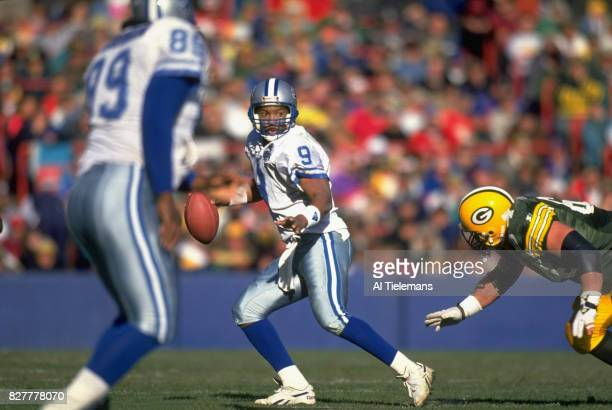Detroit Lions QB Rodney Peete in action vs Green Bay Packers at County Stadium Milwaukee WI CREDIT Al Tielemans