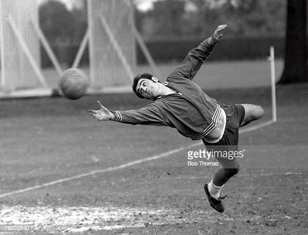 Football England 24th November 1970 England goalkeeper Peter Shilton in action during a training session