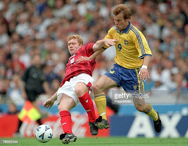 Football European Championships 2000 Qualifier Wembley 5th June England 0 v Sweden 0 Sweden's Frederik Ljungberg moves in to challenge England's Paul...