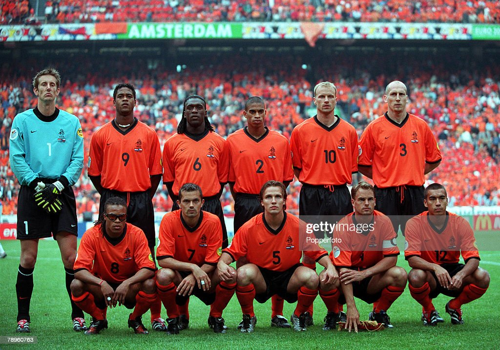 NT & NT CLASSIC KITS by PUMA26 - Page 2 Football-european-championships-amsterdam-arena-holland-holland-1-v-picture-id78960763