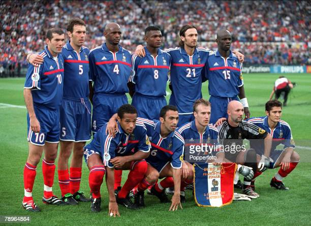 Football European Championships Final Feyenoord Stadium Rotterdam Holland France 2 v Italy 1 2nd July The France team join together for a group...